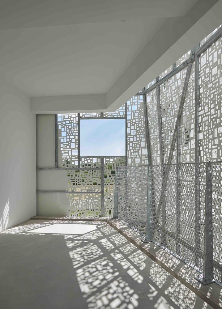 法国花式隔热混凝土的公寓楼内部实景图 (14)