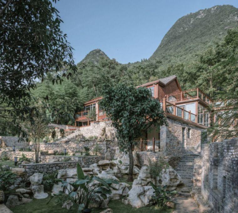 作为起点的风土:贵州万峰林石宅营造记
