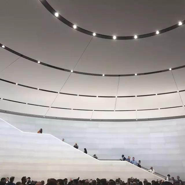 """苹果最新米兰旗舰店设计,被誉为""""欧洲最美苹果店""""_53"""