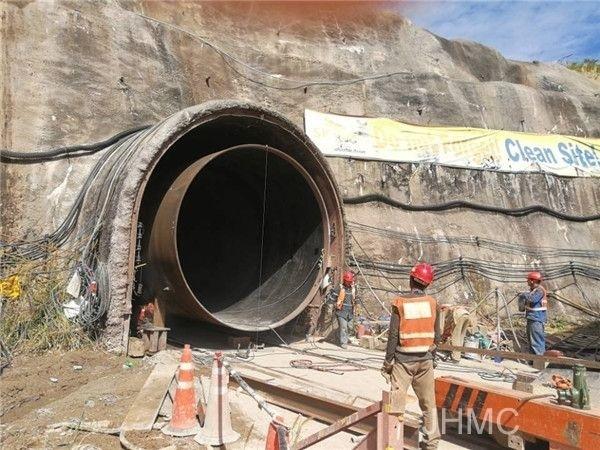 高压隧洞开挖与支护施工技术措施Word版(共21页)