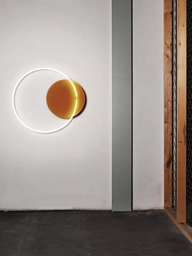 你家的灯已经OUT了!看看这八款高颜值又实用的灯具_5