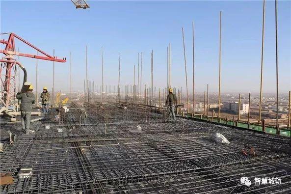 呼和浩特地铁控制中心工程主体结构封顶_2