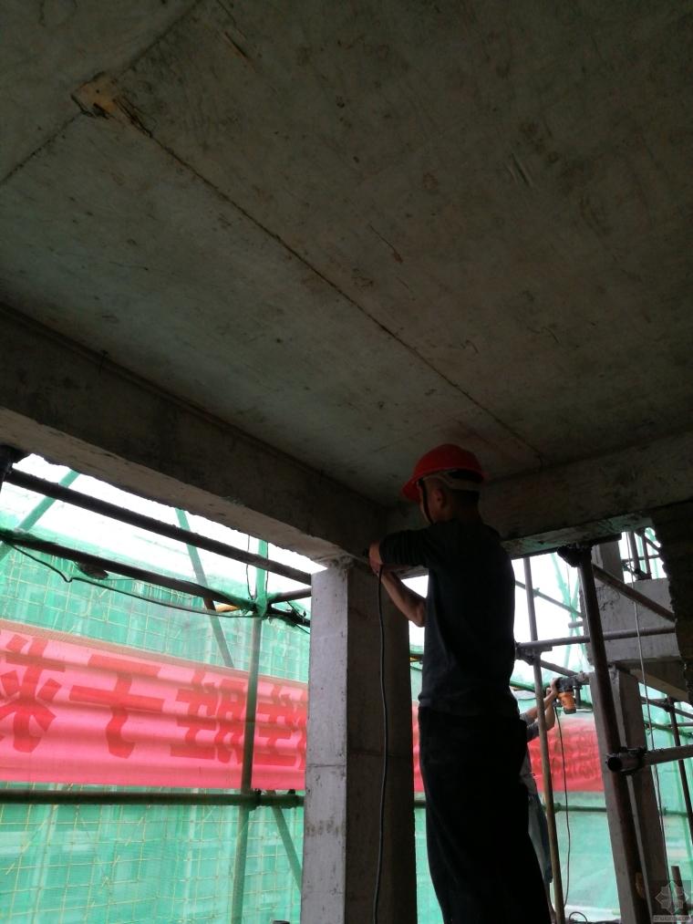 阳台构造柱浇筑