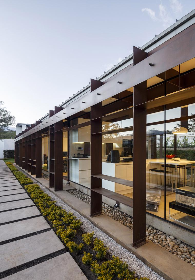 厄瓜多尔隐形边界的住宅-13