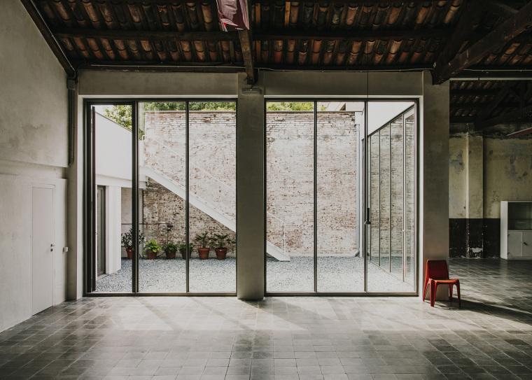 仓库建筑的古典风格Montoya办公楼内部实景图 (5)