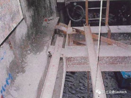 地铁基坑倒塌当天发生了什么?新加坡NicollHighway基坑倒塌纪实_7