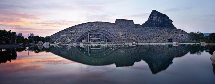 [附图案例]柳州奇石展览馆 / 天津大学建筑规划设计研究总院