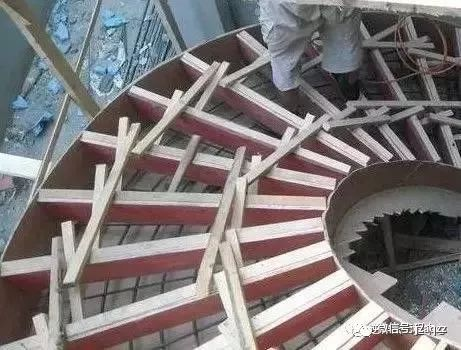 旋转楼梯木工支模方法_14