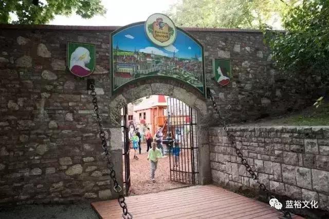儿童游乐园cad图纸资料下载-欧洲家长为什么热衷于带孩子去游乐园?