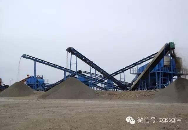 水电站工程人工砂石骨料干法生产系统的设计和运行。