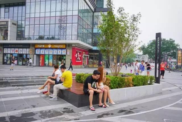 一个单词产生的设计灵感,结果火了北京的商业广场~_15