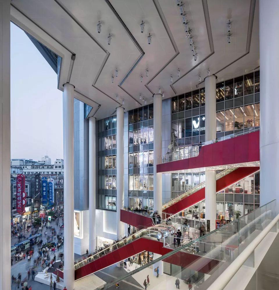 重新连结城市生活-上海世茂广场改造,上海/Kokaistudios_8
