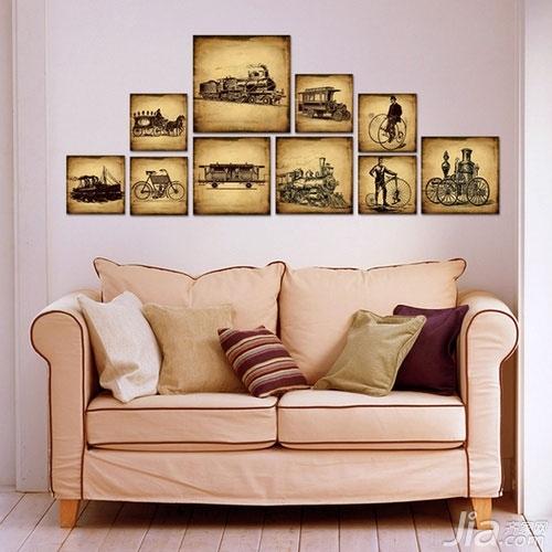 客厅背景墙也爱耍大牌你家客厅hold住吗?-复古的装饰画绝对是客厅装饰的上品,嫌自己的墙面单调的话,用上这样一组组画绝对是一道吸引眼球的风景。
