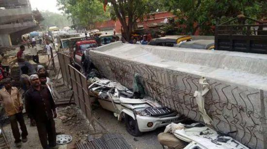 一在建高架桥倒塌,致18人死亡,事故原因还在调查_3