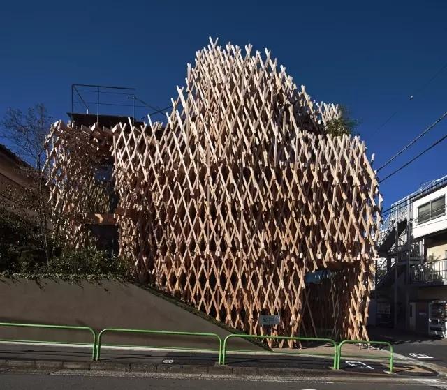 创意还是奇葩?来看看日本这些让人眼前一亮的建筑!_4