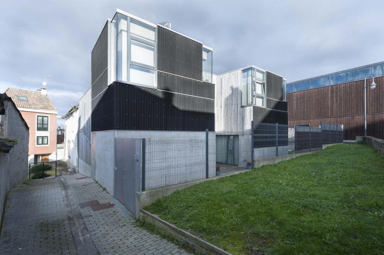 西班牙屋顶几何哲学的住宅
