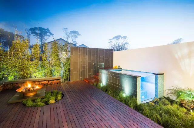 赶紧收藏!21个最美现代风格庭院设计案例_1