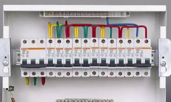 老电工现场安装调试电气线路方法总结