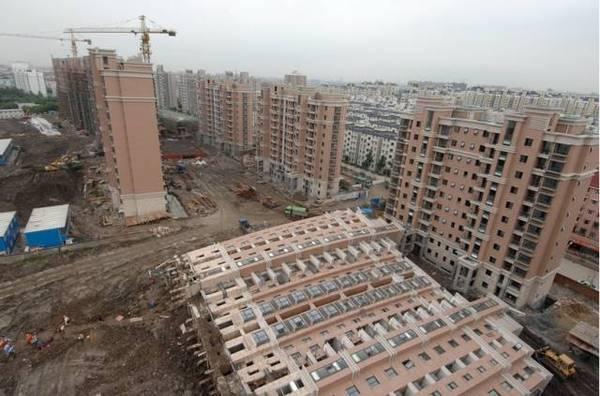 中国楼房为何频繁倒塌?耐久性至少50年怎么解释?_4