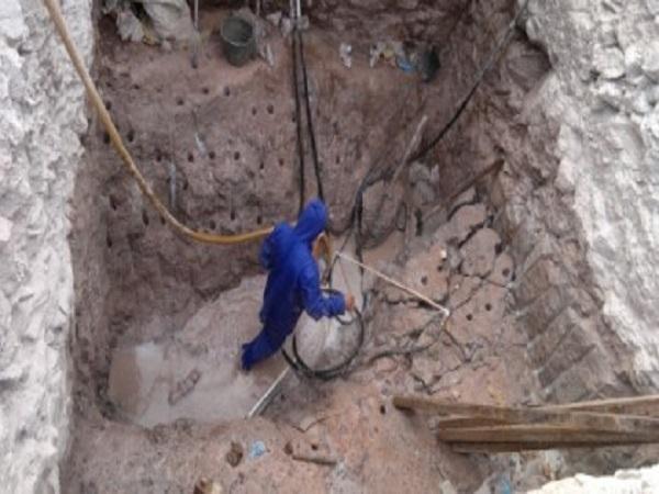 岩石层基坑的切割法施工工法