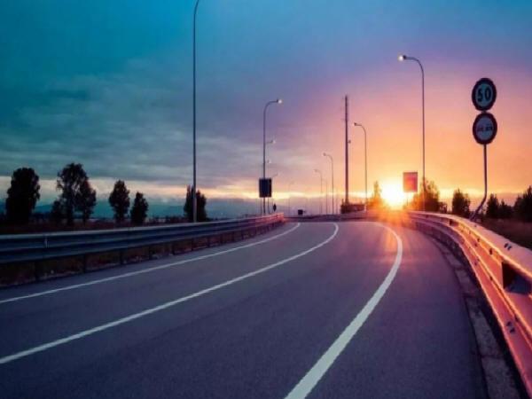 浅谈高速公路路基路面的施工管理