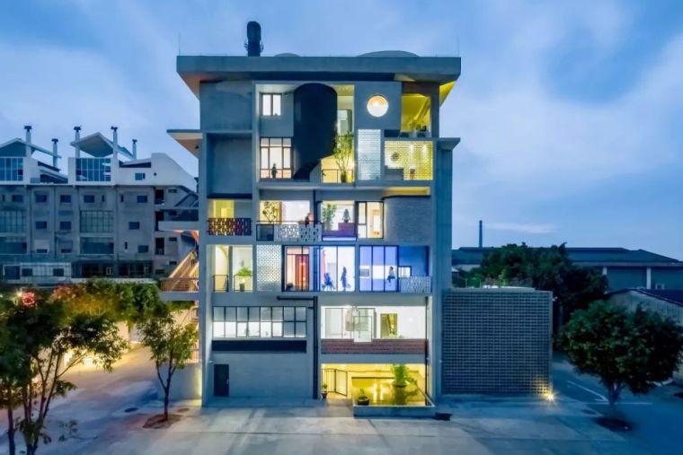 建筑师和6个好友改造一栋楼同居,老了也想在一起