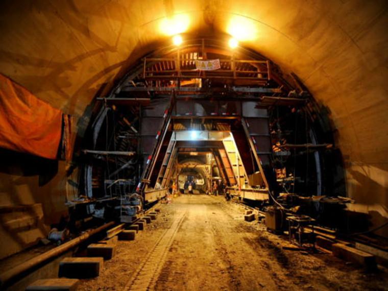 隧道浅埋暗挖法安全专项施工方案