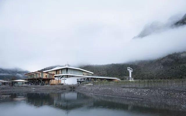 西藏•然乌湖国际自驾与房车营地