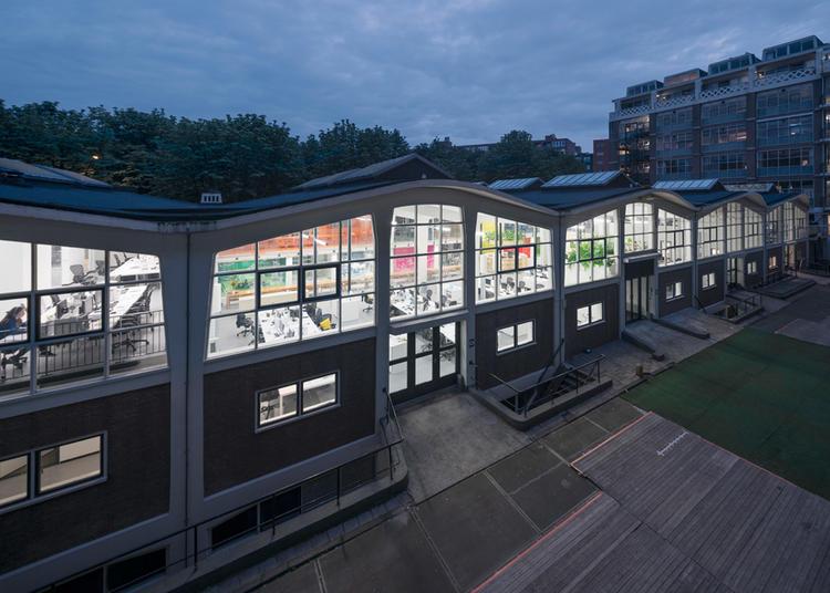 建筑师给自己设计的办公室,什么样的都有_6