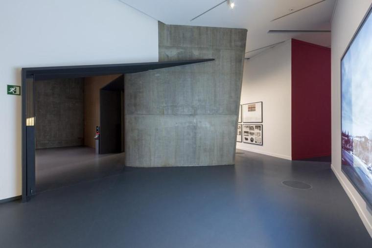 西班牙独特雕塑般构造的文化中心内部实景图 (18)