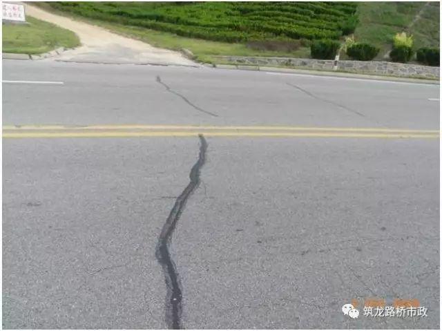 公路工程路面施工管理手册,都学会了你就是项目经理!