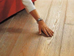 冬季来临,实木地板该怎样养护?