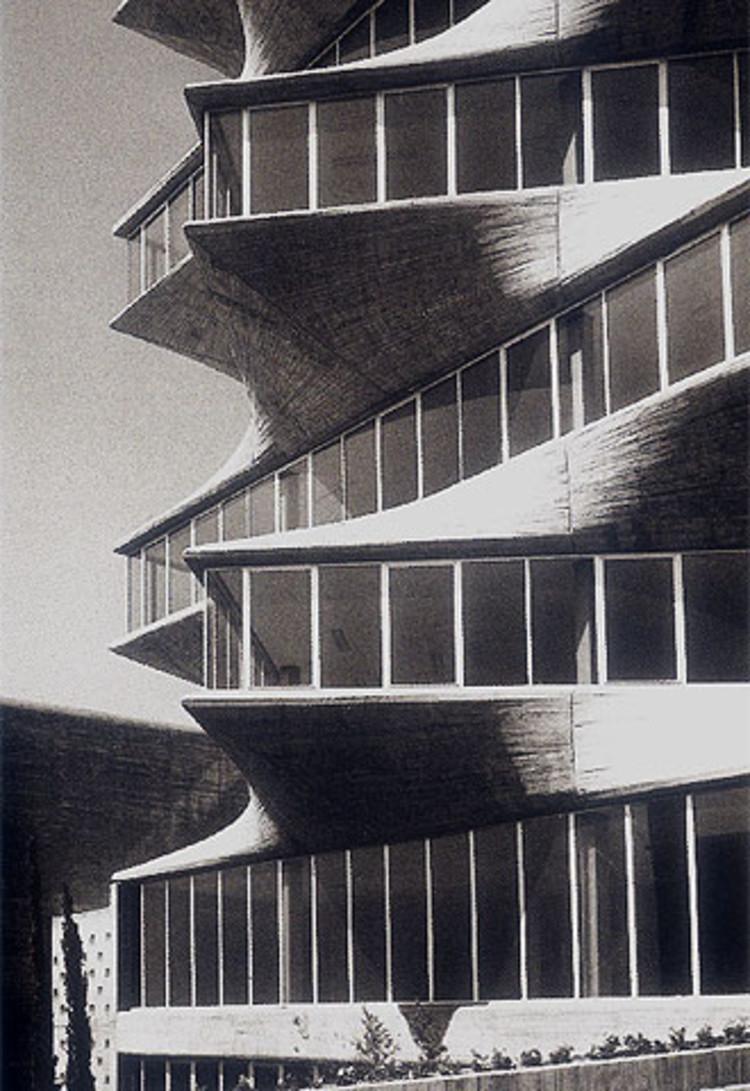 经典建筑:霍尔瓦实验大楼宝塔_2