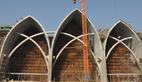 大跨度清水混凝土拱壳结构模板施工工法