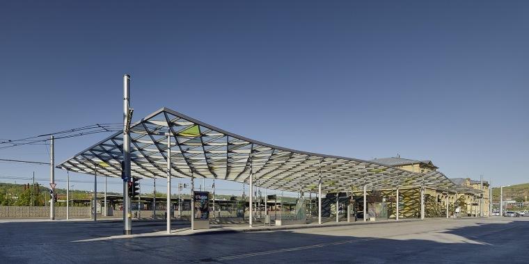 Isuzu汽车博物馆景观资料下载-埃斯林根汽车站周围景观