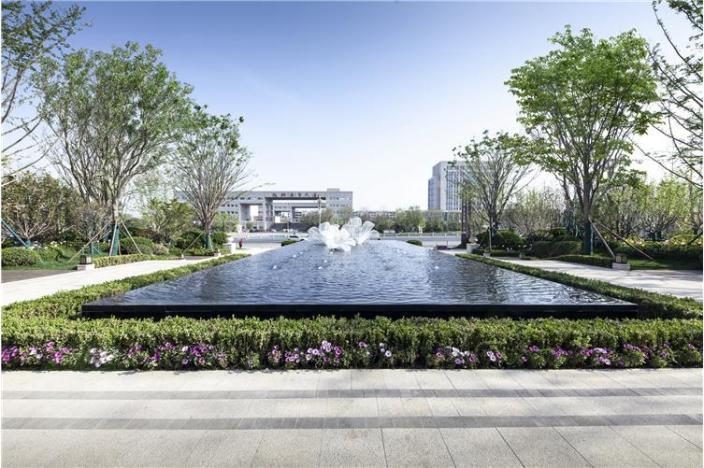 恒信绿城百合花园示范区