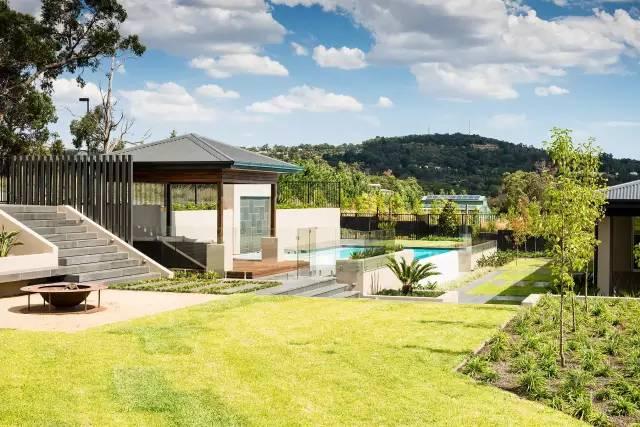 赶紧收藏!21个最美现代风格庭院设计案例_48