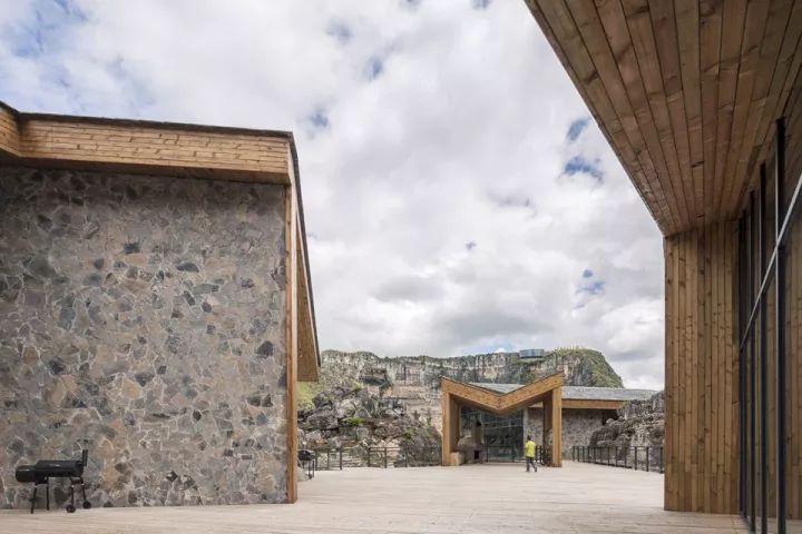 中国第一个百米崖壁上的美术馆!_27