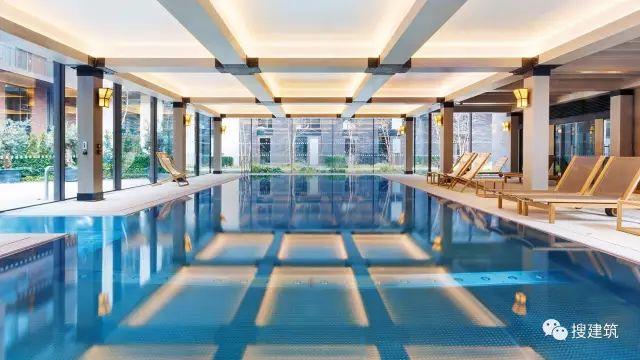 """27米长的""""空中泳池"""",在两栋大楼的第10层连接在一起,中间完全_49"""