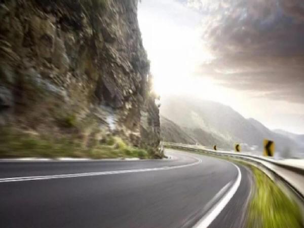 公路石灰土路基施工技术及病害防治措施