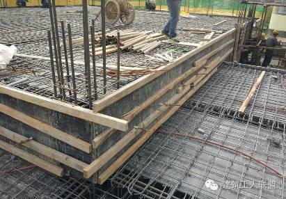 建筑木工、吊模施工的标准做法。
