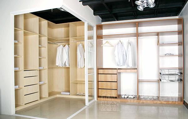 不容忽视的家庭装饰细节,定制衣柜的六大注意事项!