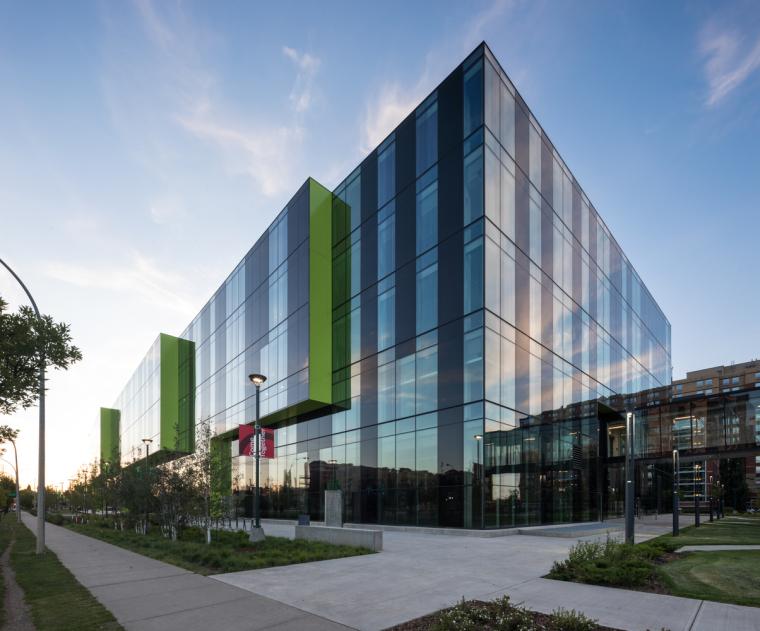 加拿大麦克文大学文化中心