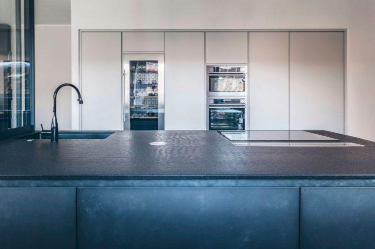米兰:简洁淡雅的现代公寓_7
