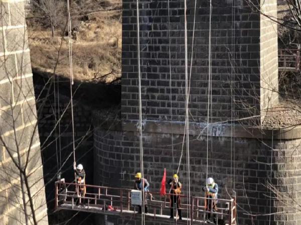 鐵路橋梁連續梁掛籃施工技術