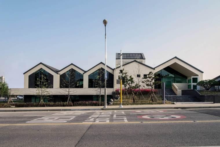 韩国最具活力的Chilbo青少年活动中心