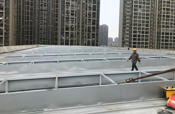 江西省南昌高新区艾溪湖羽毛球馆超白玻U型玻璃2000平方米屋面工