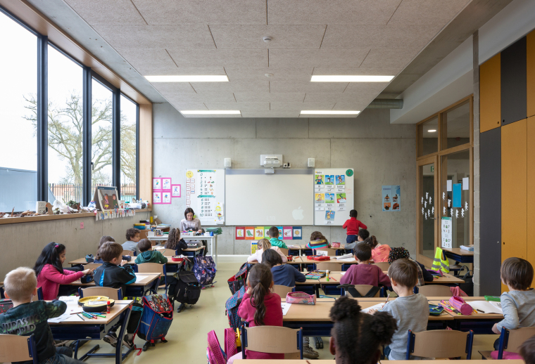 比利时公园一角的学校-9