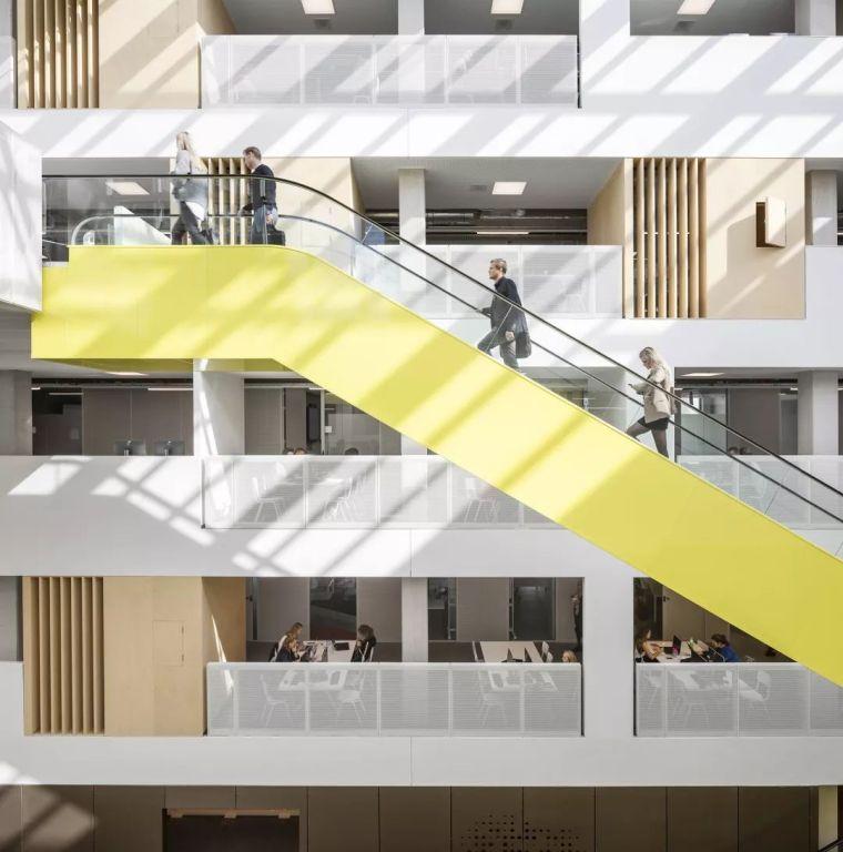 拥有一个霸道中庭的荷兰UTRECHT应用科学大学教学楼/SHL_15