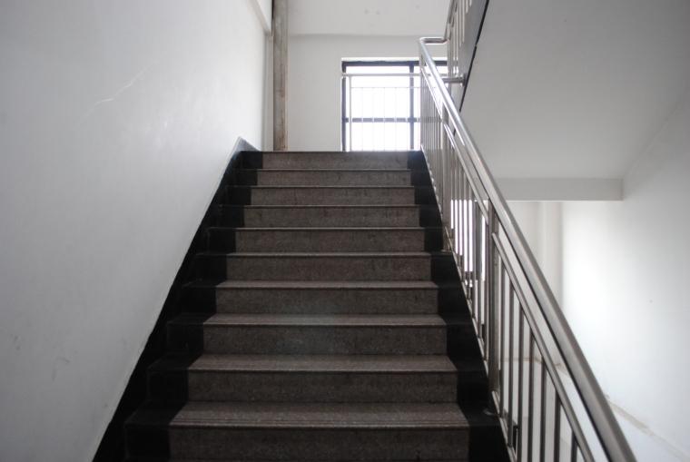 建筑疏散楼梯设计中应注意的几个问题